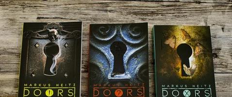 DOORS - Gewinnt die 1. Staffel der Roman-Reihe DOORS!