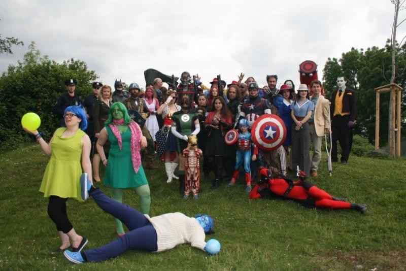 Alle Superhelden und Comicfiguren, die dem Aufruf gefolgt sind (Tony Stark kam später …)